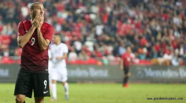 Arnavutluk, Türkiye'yi 10 kişiyle rahat geçti: 3-2
