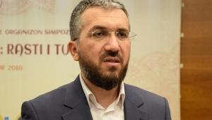 İlahiyatçı Şenocak istifa etti