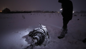 'Moskova'da 71 yolcusuyla düşen uçak havada değil yerde patladı'