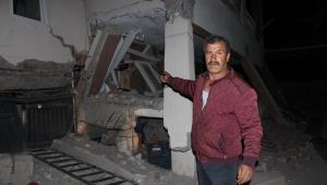 Samsat'ta depremin bilançosu gün yüzüne çıkıyor... Evler yıkıldı 13 kişi yaralandı