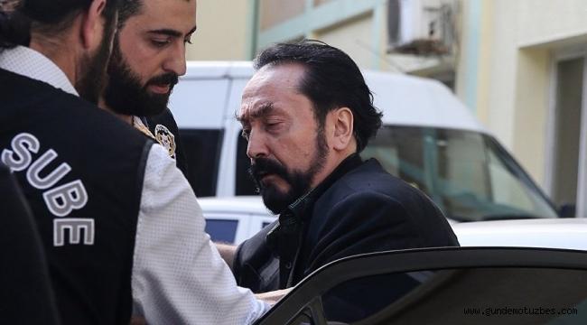 Adnan Oktar avukatlarından meyve suyu ve çamaşır istedi