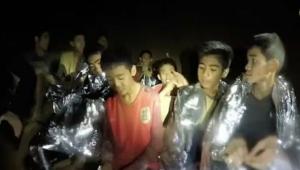 Tayland'da mağaradan kurtarılan çocuklardan ilk görüntü paylaşıldı