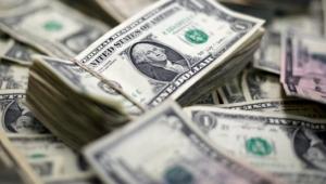 Kırmızı cuma; ekonomistler, Türk Lirası'nın değer kaybını nasıl yorumladı?