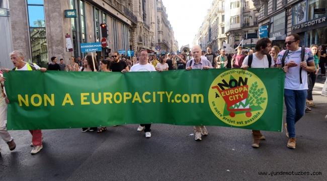 Fransızlar küresel ısınmaya 'dur' demek için sokağa döküldü