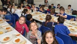 İlkokullarda okul yemeği programı başlıyor! Milyonlarca öğrenciyi ilgilendiren karar