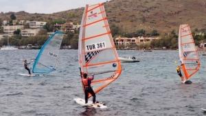 Bodrum'da rüzgar sörfü heyecanı