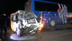 Erbaaspor kulüp otobüsü kaza yaptı: 1 ölü, 3 yaralı