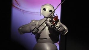 Toyota'nın insansı robotu 10 km'den kontrol edilebiliyor