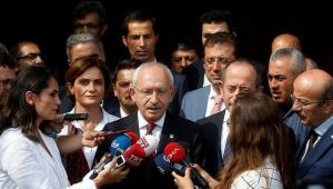 'CHP, İstanbul'un 6 ilçesinde mevcut başkanlarla yola devam kararı aldı'