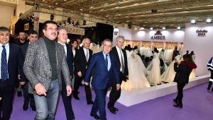 Gelinlik Modasının Kalbi İzmir'de Atıyor