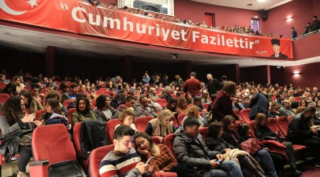 Aydın Büyükşehir Belediyesi Şehir Tiyatrosu kursiyerleri seyirci karşısına çıktı