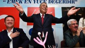 Başkanı Kocaoğlu, iki Serdar arasında dilek tuttu