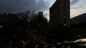 Venezüella'daki elektrik kesintisi 24 saattir devam ediyor