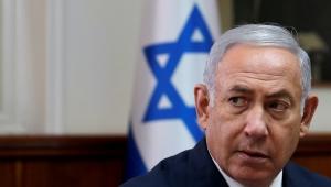 Yolsuzluk soruşturmasıyla sıkışan Netanyahu'dan seçimdeki rakiplerine 'hakaret' davası hamlesi