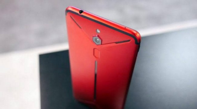 Nubia'dan oyunculara özel telefon: Red Magic 3