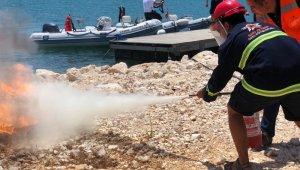 Çeşme marina çalışanlarına yangın eğitimi