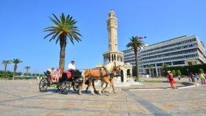 İzmir'de fayton dönemi resmen kapandı