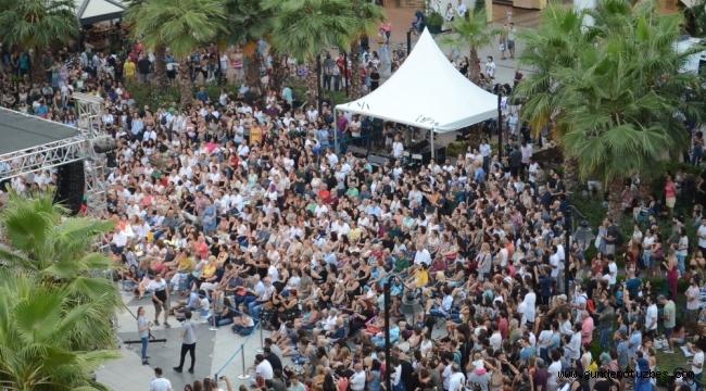 Binlerce İzmirlinin katıldığı caz festivali bu yıl 2-3-4 Ağustos'ta