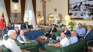 MÜSİAD İzmir'in il sağlık müdürüne ziyaretinde iş birliği mesajları