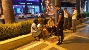 Turizm kenti Marmaris'te sokakta çalışan çocuklara yönelik denetim