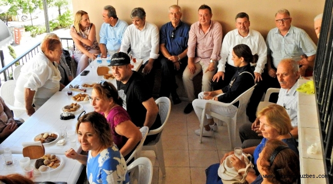 CHP Çeşme'de bayramlaşma töreni
