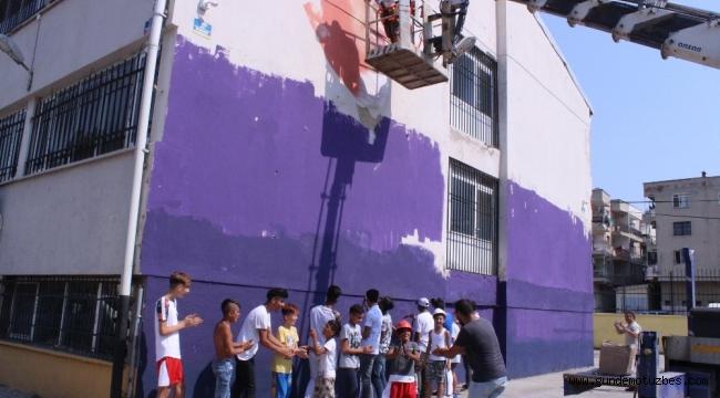 Roman çocuklar, Venezuelalı sanatçı ile 'duvarları konuşturacak'