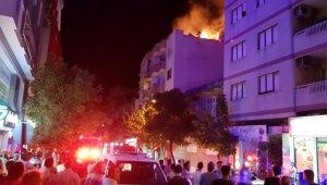 Tire'de çatı yangını korkuttu