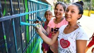 Venezüela ve Türkiye İzmir'in duvarında buluştu
