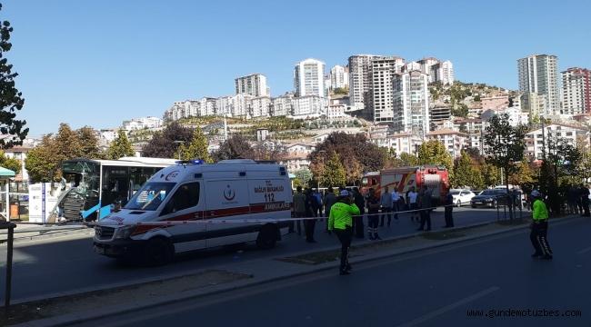 Başkent'te halk otobüsü yolcu dolu durağa girdi: 3 ölü