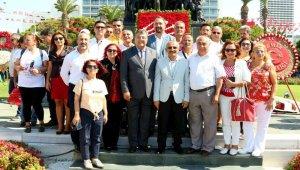 Çiğli'de İzmir'in kurtuluşunun 97. yılında 97 bin rozet