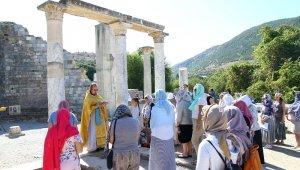 Efes'te bin yıl sonra tarihi ayin