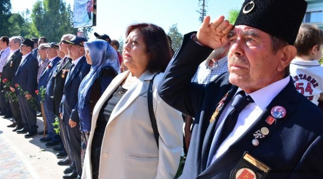İzmir'de Gaziler Günü törenlerle kutlandı