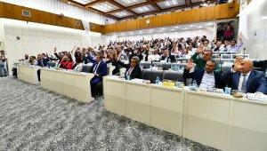 İzmir'in 5 yıllık yeni yol haritası oy birliği ile kabul edildi