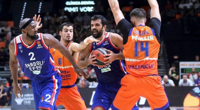 Anadolu Efes, Valencia Basket'i 83-78 yendi