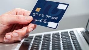 Başvurusu olmayan tüketiciye kredi kartı veren banka yandı