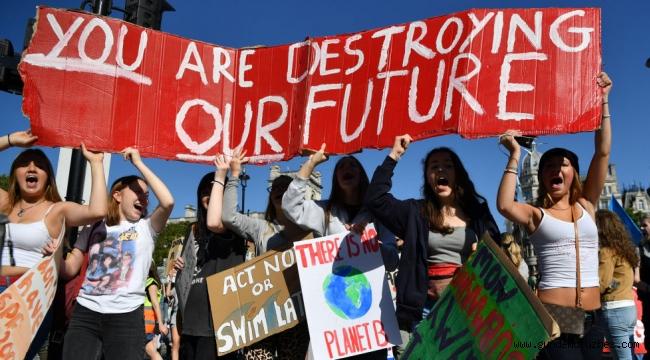 Lafta başka eylemde başka: Google, iklim krizini reddeden kuruluşları destekliyormuş