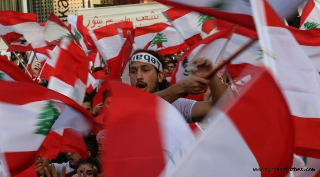 Lübnan'da protestolar devam ediyor: Göstericilerin toplam sayısı 1 milyon 700 bine ulaştı
