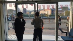 MHP'li başkan işe geç gelenleri binaya almadı