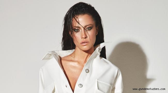 Derya Uluğ, İzmir'de konser verecek