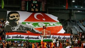 Pınar Karşıyaka, Galatasaray galibiyetini Özgür Soylu'ya armağan etti