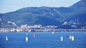 Burhanettin Tekdağ Yıl Sonu Kupası Yelkenli Yat Yarışları yapıldı