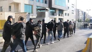 İş vaadiyle Türkiye'ye getirdikleri kadınlara zorla fuhuş yaptıran çete çökertildi: 11 gözaltı