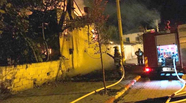 İzmir'de ev yangınında alzaymır hastası yaşlı kadının cesedi bulundu
