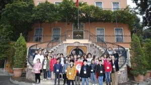 Latife Hanım Köşkünün 25 bininci ziyaretçisi öğrenciler oldu