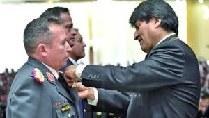 Morales'i istifaya zorlayan komutan konuştu