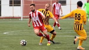 Aliağaspor FK Ayvalık'tan 3 puan ile döndü
