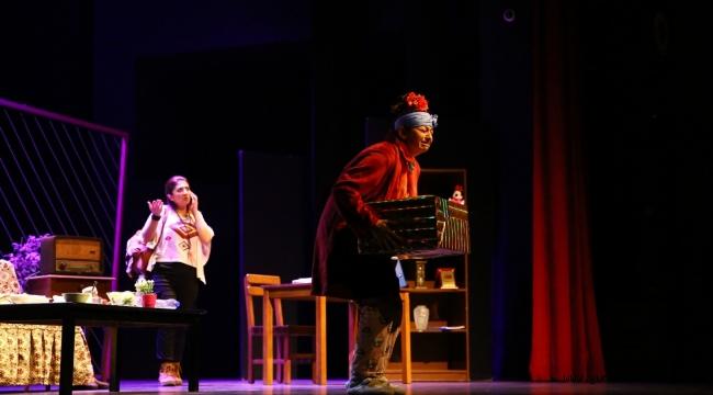 Aydın Büyükşehir Belediyesi Şehir Tiyatrosu'ndan yeni oyun