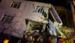Depremde kalp krizi geçiren kadın hayatını kaybetti