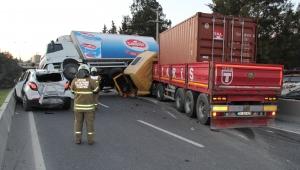 İzmir'de zincirleme kaza: 1'i ağır 6 yaralı