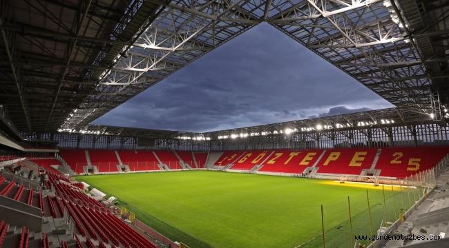 İzmir Valisi Erol Ayyıldız, Göztepe Stadyumu'nu gezdi